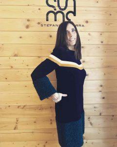Daniela Barbarossa indossa abiti STMA by Stefania Marra