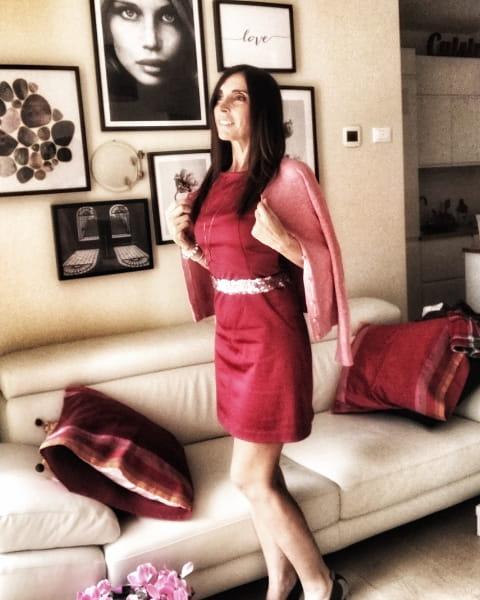 Look con abbinamento rosa e rosso per outfit San Valentino di Daniela Barbarossa
