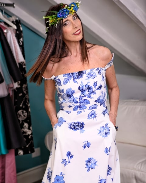 abito floreale Ylenia Mangano indossato da Daniela Barbarossa