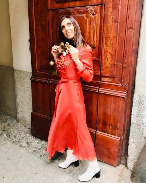 abito lungo rosso Chiara Is di Chiara Gregis indossato da Daniela Barbarossa